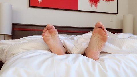Dormir pouco é 'tão ruim quanto fumar', alerta estudioso