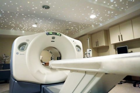 Como é feito o exame de PET/CT?